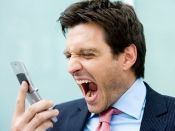 В Волгограде из салона сотовой связи вынесли три телефона