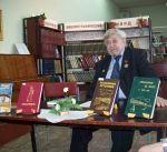 Педагог-долгожитель написал книгу о знаменитых земляках зарубежом