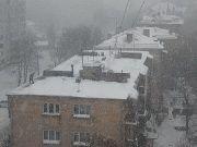 Прокуратура потребовала от коммунальщиков очистить крыши от снега