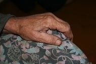 Волгоградским пенсионерам раздавали подарки