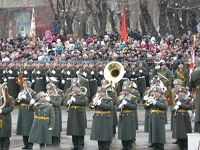 В Волгограде состоялся парад в честь Сталинградской победы