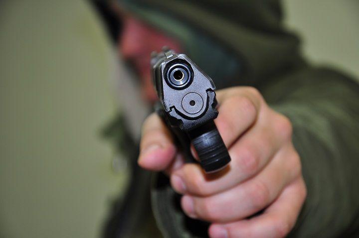 В Волгограде задержали безработного, устроившего стрельбу из окна квартиры