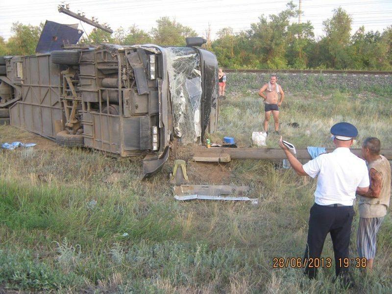 В Волгоградской области в ДТП попал пассажирский автобус