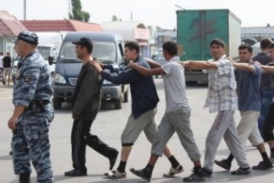 В Волгограде задержали две сотни нелегалов
