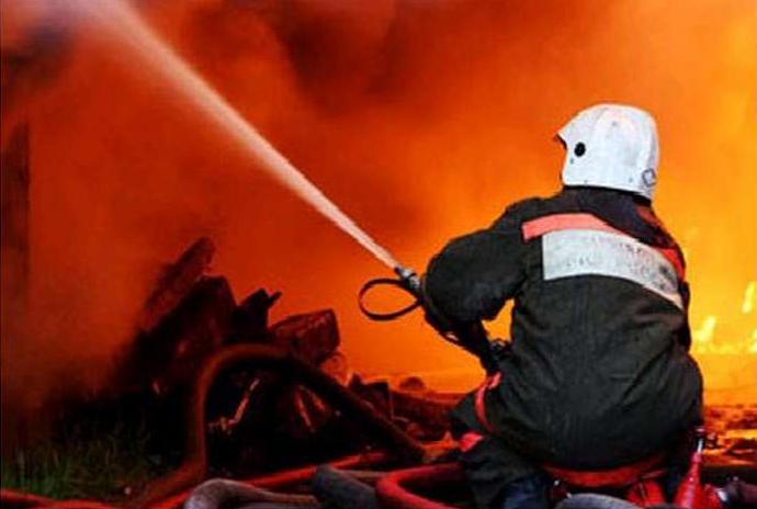 В Котельниково при пожаре погибли двое