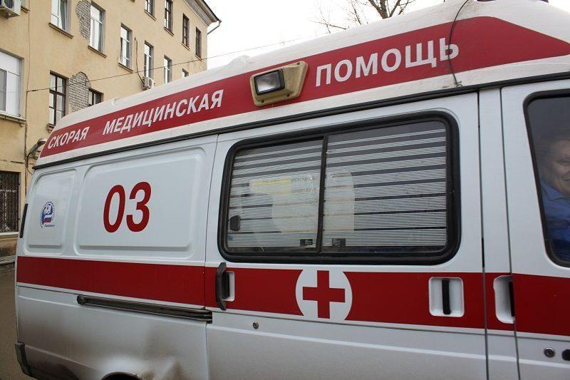 В Волгограде из-за падения глыбы льда с крыши пострадала женщина