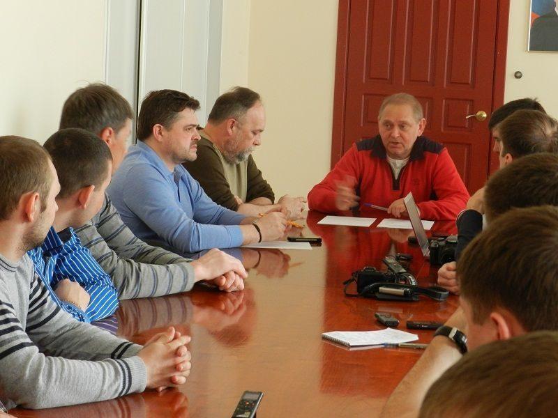 Глава Волжского призвал активистов к контролю за порядком в городе не от хорошей жизни
