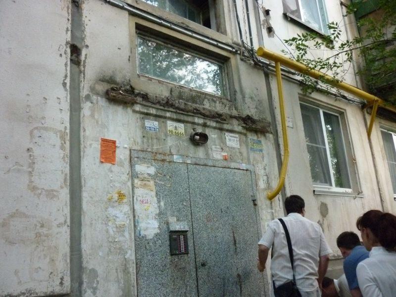 В Волгограде 710 подъездных козырьков требуют капитального ремонта