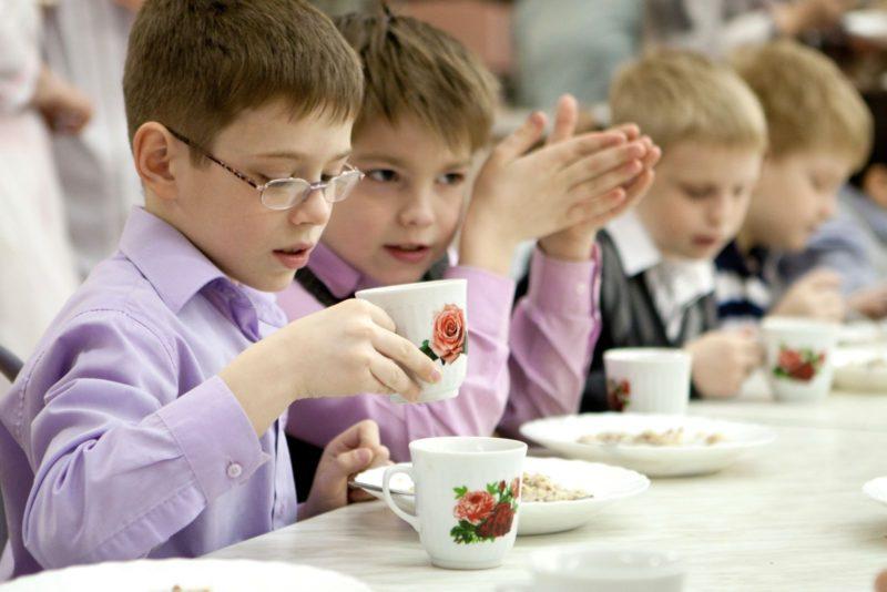 В Волгоградской области увеличится количество бесплатных обедов для школьников