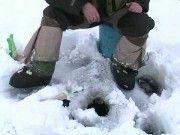 Под Волгоградом под лед провалилась машина с двумя рыбаками