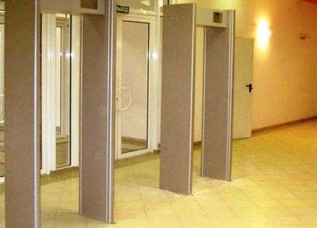 В Волгоградских школах установят металлодетекторы