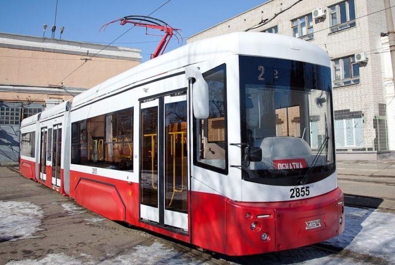 Новый трехсекционный трамвай выйдет на два маршрута в Волгограде