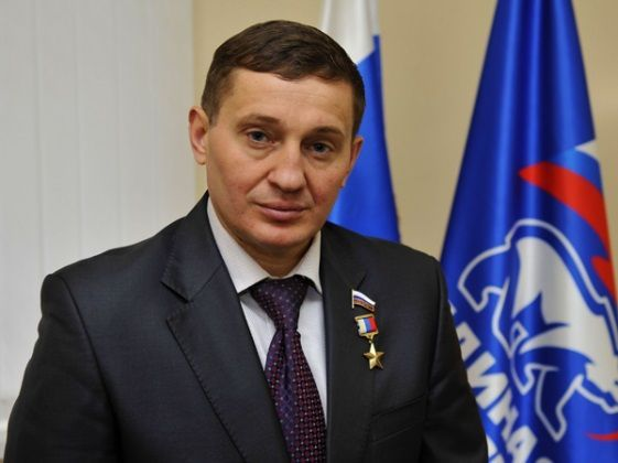 Губернатор Волгоградской области снижает свою зарплату на 10%