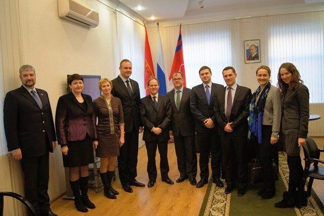 Заместитель посла Великобритании в Москве посмотрел на подготовку к ЧМ-2018 в Волгограде