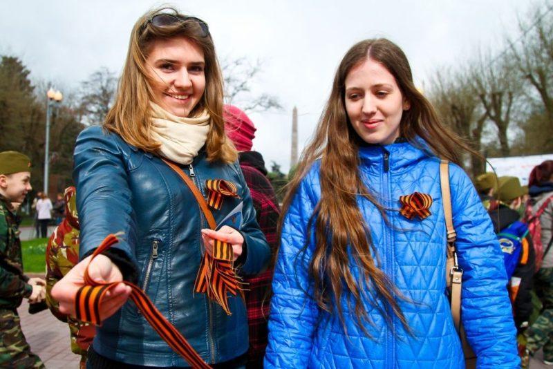 Волгоградские волонтеры приступили к раздаче 200 тысяч «Георгиевских ленточек»