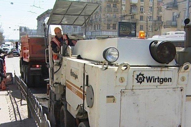 В Волгограде на мосту Комсомольской начались ремонтные работы