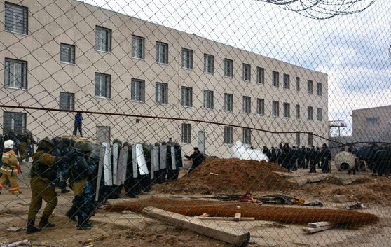 В колонии под Волгоградом учились усмирять взбунтовавшихся заключенных