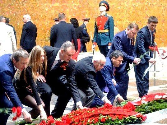 День Победы в Волгограде начался на Мамаевом кургане