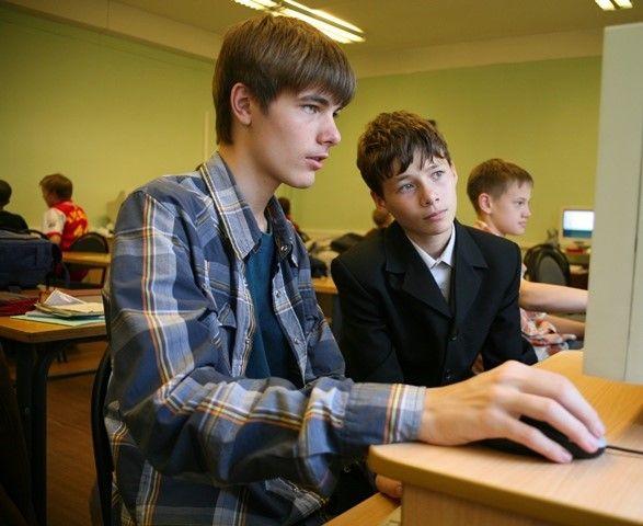 Рособрнадзор определил даты проведения заменяющих ОГЭ контрольных работ для учащихся 9-х классов
