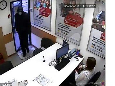 Волгоградские полицейские задержали подозреваемого в грабеже