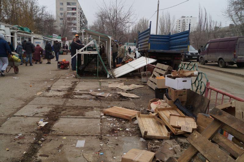 Демонтаж рынка в Кировском районе Волгограда продолжается