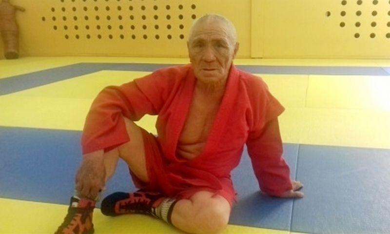 73-летний борец стал чемпионом Казахстана по самбо