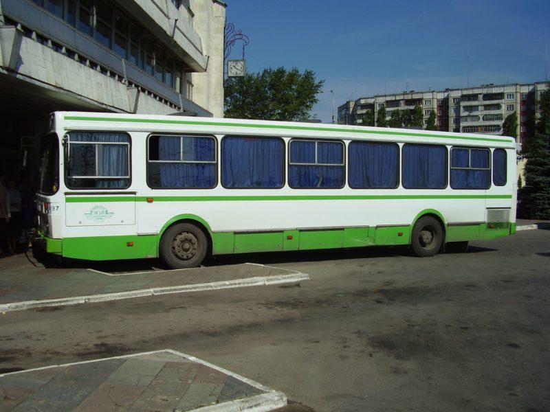 Водитель иметь сдачу не обязан: ребенка в жару из-за отсутствия сдачи со 100 рублей выгнали из автобуса