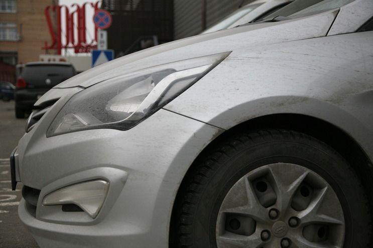 Волгоградец в состоянии алкогольного опьянения разбил чужое авто на полмиллиона рублей