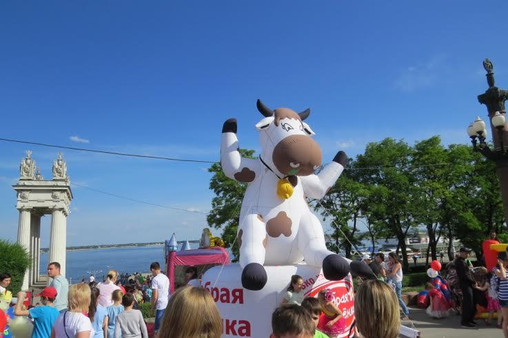 В Волгограде 4 июня было выпито более 6 тысяч литров молока и молочной продукции