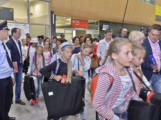 Российские дети вернулись из Стамбула в Казань
