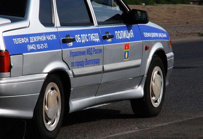 Пьяный водитель без прав на мопеде протаранил патрульный автомобиль
