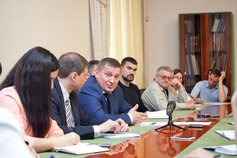 Андрей Бочаров провел трехчасовую встречу с «пишущей свитой»