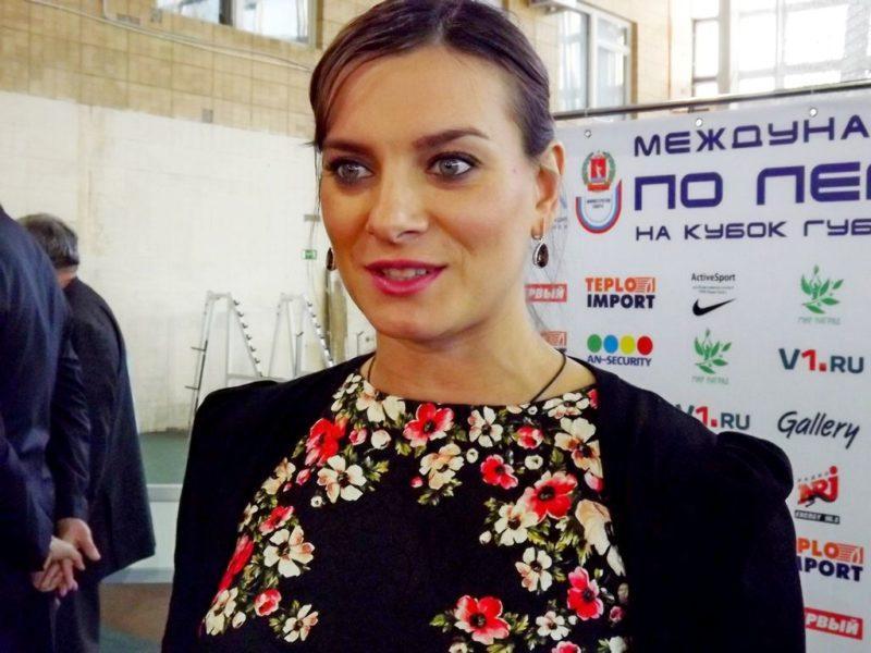 Елена Исинбаева выиграла золото Чемпионата России с лучшим результатом сезона в мире