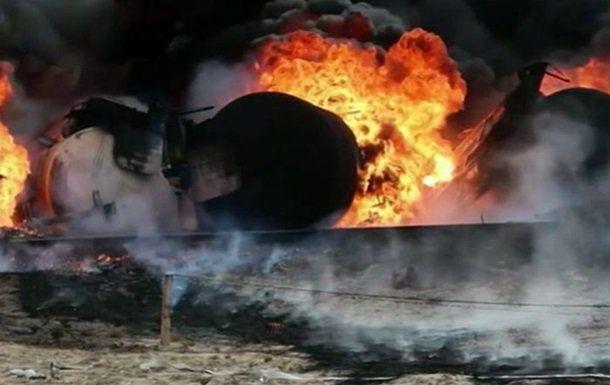 На волгоградском заводе «Баррикады» загорелись бочки с остатками мазута