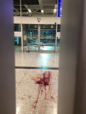 Женщина стала невольной свидетельницей произошедшего теракта в аэропорту Турции