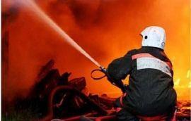 В Краснооктябрьском районе за полчаса до полуночи в девятиэтажке вспыхнула кровля