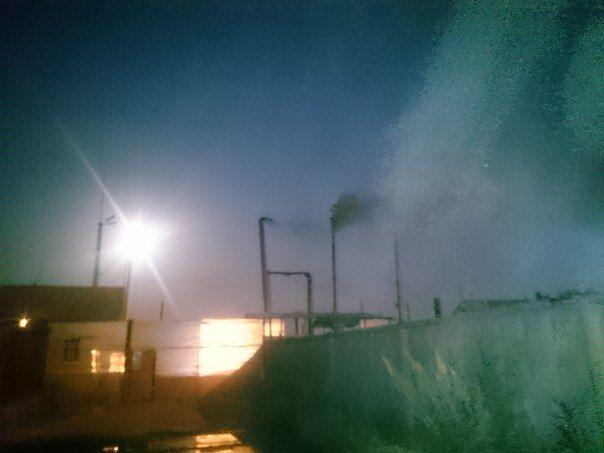 Волжан по ночам периодически травят удушливым запахом сжигаемого пластика