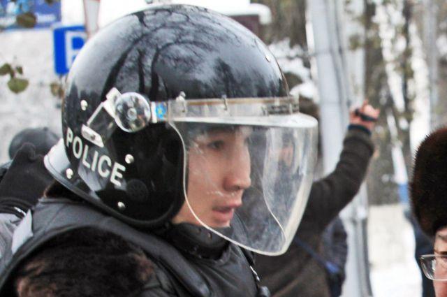 В Актобе преступники напали на два оружейных магазина: есть погибшие и раненые