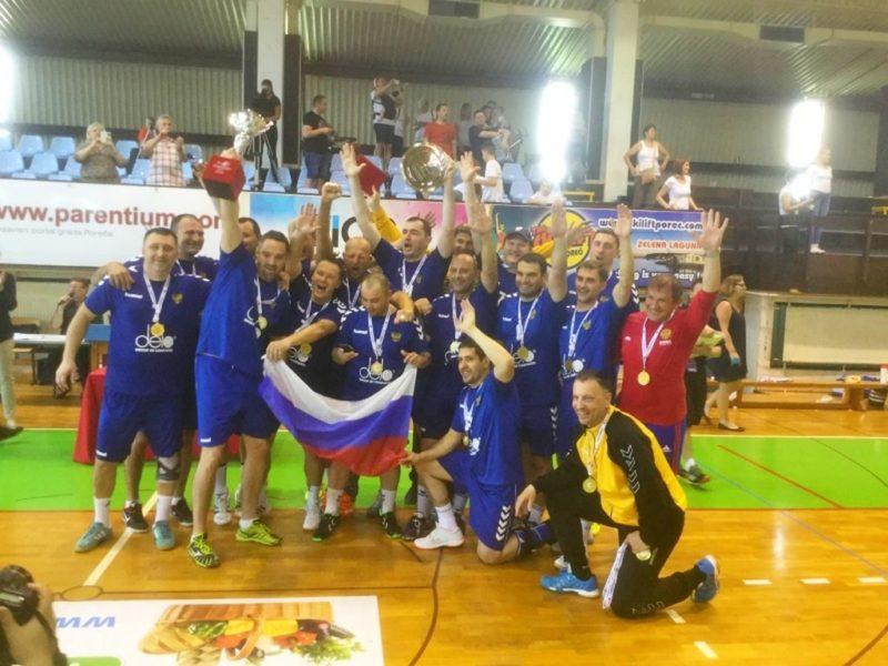 Волгоградские ветераны во главе с Олегом Савченко победили на гандбольном турнире «EHF Masters»