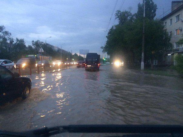 В Администрации Волгограда вновь пообещали прочистить ливневки