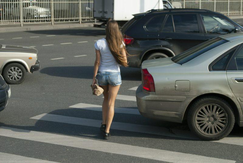 81-летний волгоградец сбил девушку на пешеходном переходе