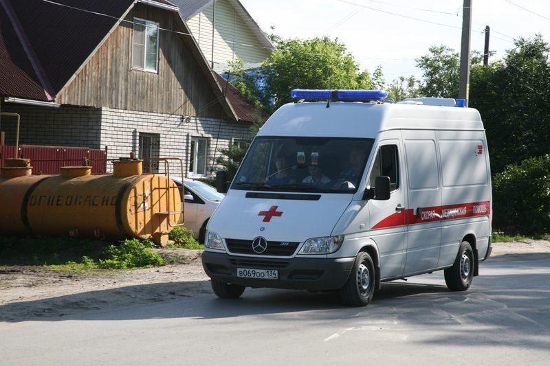 В Котельниковском районе 3-летний ребенок выпал из окна