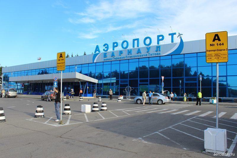 Самолет Airbus А320 из Москвы совершил аварийную посадку в Барнауле