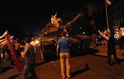В Турции арестовали свыше полторы тысячи военных