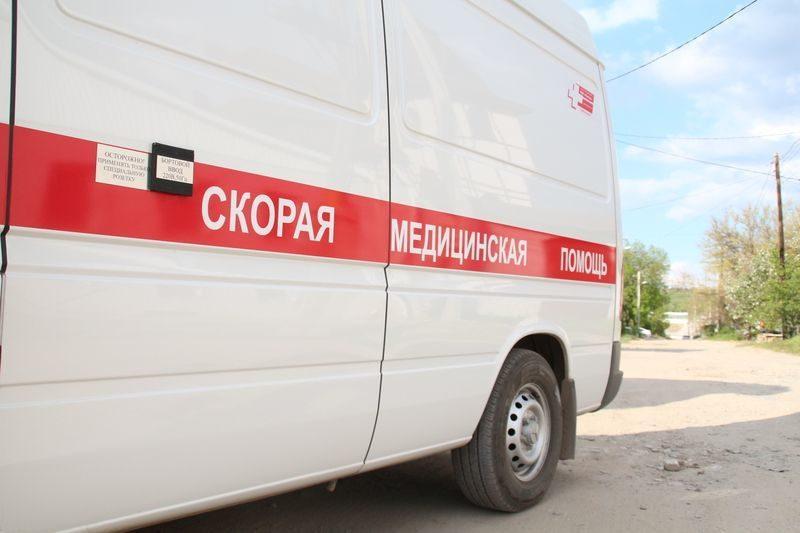 В Ворошиловском районе водитель ВАЗ-21054 протаранил световую опору