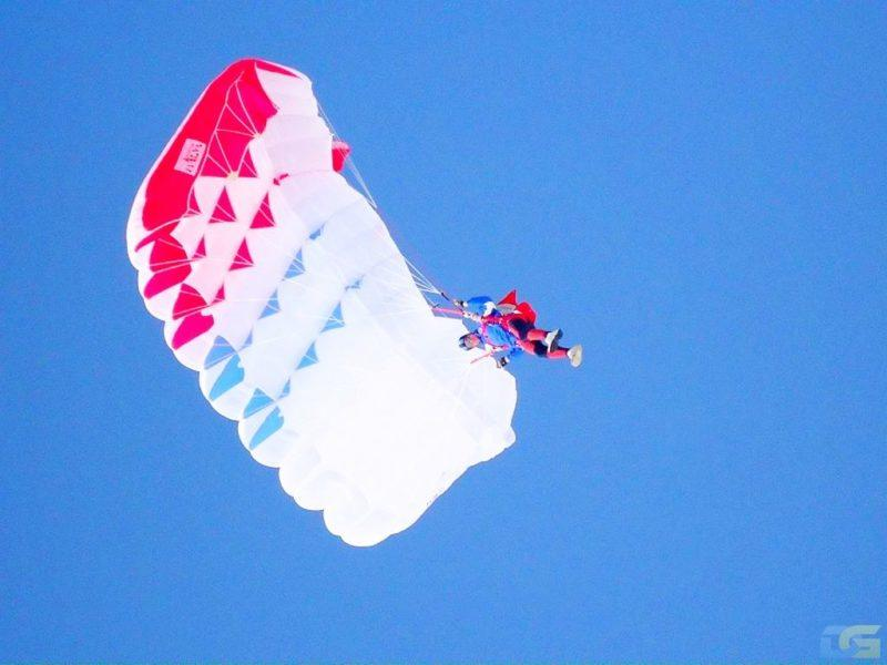 Парашютисты погибли в воздухе после построения эмблемы Олимпиады