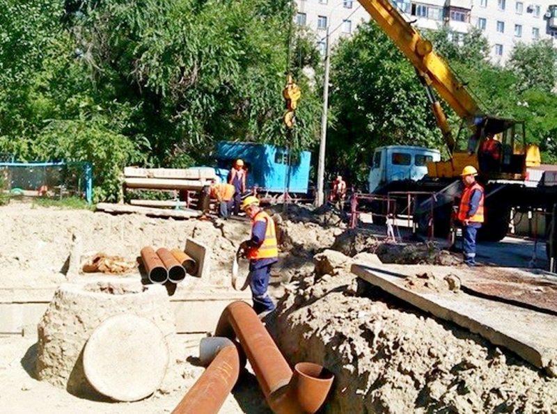 В Волгограде завершают ремонт теплотрассы на улице Ткачева