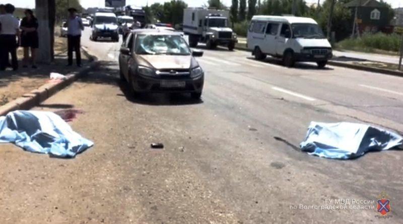 В Красноармейском районе Волгограда «Лада Гранта»  насмерть сбила двух пешеходов