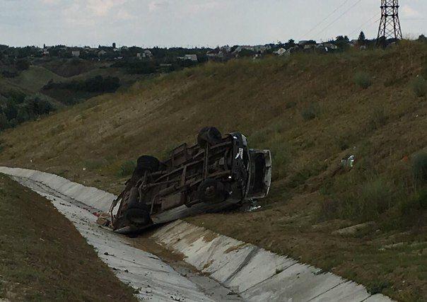 В Волгоградской области на трассе «Газель» упала в кювет