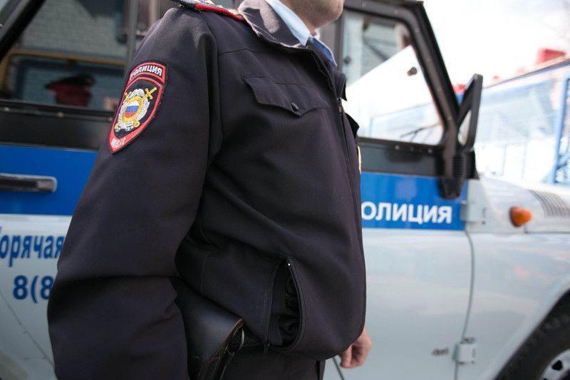 Вооруженные пистолетами двое в масках напали на офис доставки пиццы в Москве